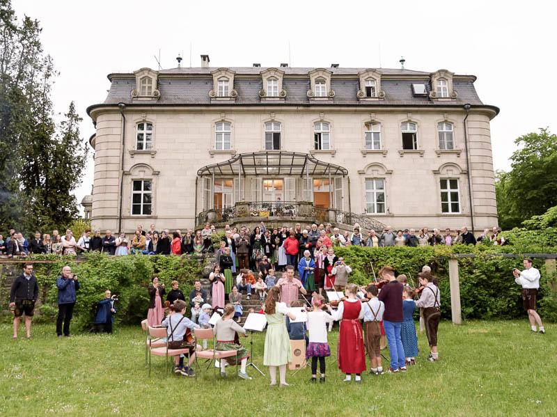 Auch das Konzert des Kinderorchester gehört zum Bayerischen Fest. Hier übt schon mal der Nachwuchs.